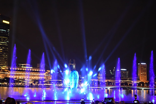 marina-bay-sands-show