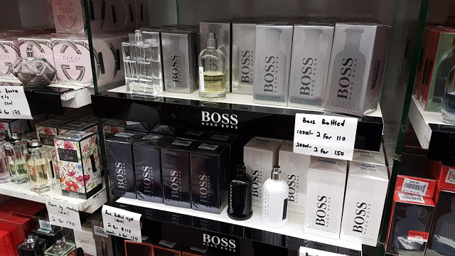 singapore-mustafa-shopping-center-perfumes